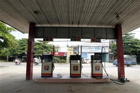 A petrol station is seen outside Hanoi September 22, 2011. REUTERS/Kham