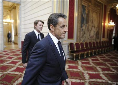 France's President Nicolas Sarkozy and Economy and Finance Minister Francois Baroin  at the Elysee Palace, September 26, 2011. REUTERS/Eric Feferberg/Pool