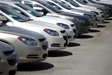 Chevrolet cars are seen at a GM dealership in Miami, Florida August 12, 2010.  REUTERS/Carlos Barria
