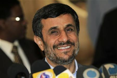Iran's President Mahmoud Ahmadinejad speaks during a joint news conference with Sudan's President Omar Hassan al-Bashir after talks focused on boosting political and economic ties between their countries, at the Khartoum international airport September 26, 2011. REUTERS/Mohamed Nureldin Abdallah