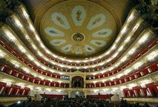 <p>Visitors walk in the main hall of Moscow's Bolshoi theatre October 24, 2011. REUTERS/Anton Golubev</p>