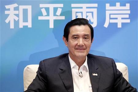 Taiwan's President Ma Ying-jeou attends a news conference in Taipei, October 17, 2011.  REUTERS/Pichi Chuang