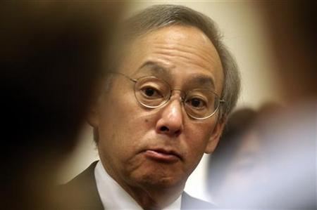 Secretary of Energy Steven Chu briefs the media during during the 55th International Atomic Energy Agency (IAEA) General Conference in Vienna September 20, 2011.    REUTERS/Herwig Prammer