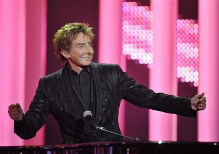 U.S. singer Barry Manilow performs at the annual Nobel Peace Prize Concert in Oslo December 11, 2010. REUTERS/Toby Melville