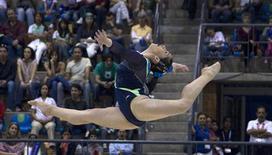 A brasileira Daniele Hypólito compete no solo e leva medalha de bronze no Pan de Guadalajara.  REUTERS/Andy Clark