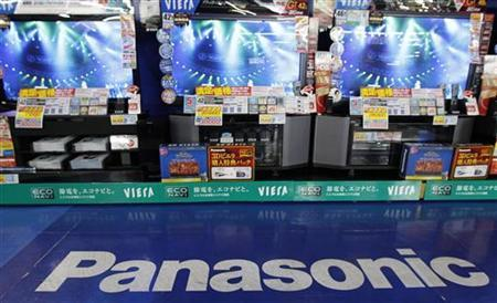 Panasonic's plasma TV sets are displayed at an electronics shop in Tokyo October 20, 2011. REUTERS/Kim Kyung-Hoon