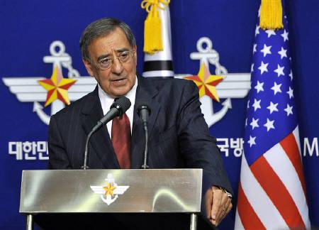 U.S. Defense Secretary Leon Panetta speaks during a joint news conference with South Korean Defense Minister Kim Kwan-jin in Seoul October 28, 2011. REUTERS/Jung Yeon-je/Pool