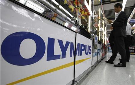 A logo of Japan's Olympus Corp is pictured at an electronic store in Tokyo October 28, 2011.   REUTERS/Yuriko Nakao
