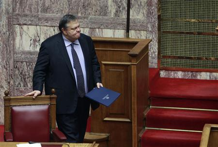 Greek Finance Minister Evangelos Venizelos is seen in the Greek parliament prior to a confidence vote in Athens November 4, 2011.   REUTERS/John Kolesidis