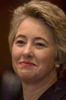 Houston Mayor Annise Parker smiles during a news conference after her first City Council meeting following her inauguration in Houston January 4, 2010. REUTERS/Richard Carson