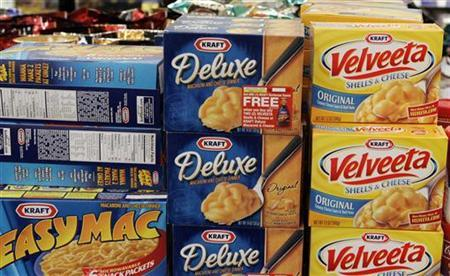 Kraft Food products sit on a shelf at a Walgreens store in Willowbrook, Illinois January 19, 2010. REUTERS/Frank Polich
