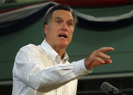 Republican presidential candidate and former Massachusetts Governor Mitt Romney delivers a speech about his fiscal policy in Exeter, New Hampshire November 3, 2011. REUTERS/Brian Snyder