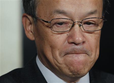 Olympus Corp's President Shuichi Takayama reacts at a news conference in Tokyo, November 8, 2011. REUTERS/Toru Hanai