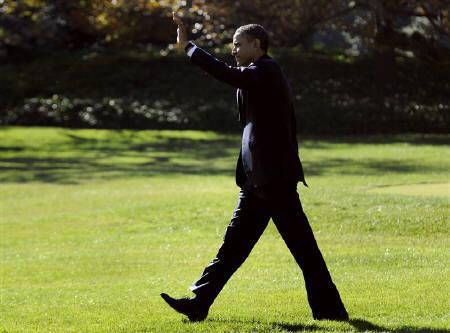11月8日、米超党派議員4人は、オバマ政権に対し、日本が今週TPP交渉に参加する意向を表明した場合、議会との事前協議なく早急に決断することがないよう要請した。写真はオバマ大統領(2011年 ロイター/Jonathan Ernst)