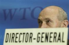 Генеральный директор Всемирной торговой организации Паскаль Лами на пресс-конференции в штаб-квартире ВТО в Женеве 7 апреля 2011 года. Россия и Грузия подписали соглашение, которое позволит РФ присоединиться ко Всемирной торговой организации (ВТО), сообщил посол Грузии при ВТО. REUTERS/Denis Balibouse