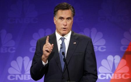Republican presidential candidate, former Massachusetts Governor Mitt Romney, participates in the CNBC Republican presidential debate in Rochester, Michigan, November 9, 2011.  REUTERS/Mark Blinch