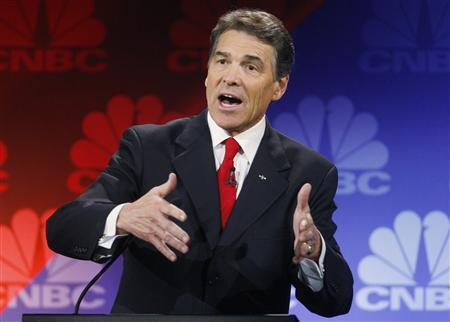 Republican presidential candidate, Texas Governor Rick Perry, participates in the CNBC Republican presidential debate in Rochester, Michigan, November 9, 2011.  REUTERS/Mark Blinch