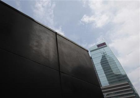 The AIA Central is seen in Hong Kong's financial district February 25, 2011. REUTERS/Tyrone Siu