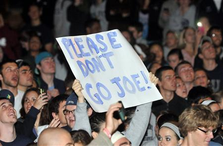 Penn State University students take to the streets to express their support for long time football coach Joe Paterno, after it was announced that Paterno had been fired, in State College, Pennsylania, November 9, 2011.  REUTERS/Pat Little