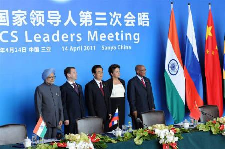 PM Manmohan Singh, Russia's President Dmitry Medvedev, China's President Hu Jintao, Brazil's President Dilma Rousseff and South Africa's President Jacob Zuma (L-R) pose during the BRICS summit in Sanya, on the southern Chinese island of Hainan, April 14, 2011. REUTERS/Press Information Bureau of India/Handout/Files