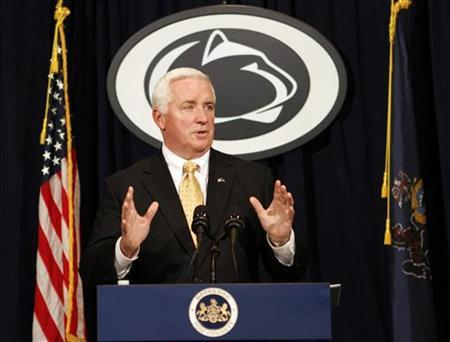 Pennsylvania Governor Tom Corbett makes remarks concerning Penn State University during a news conference near State College, Pennsylvania, November 10, 2011. REUTERS/Tim Shaffer