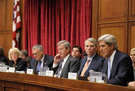 Congressional Super Committee member Sen. John Kerry (D-MA), (R), makes opening remarks as fellow members listen (L-R) Sen. Patty Murray (D-WA), Sen. Jon Kyl (R-AZ), Sen. Max Baucus (D-MT) and Sen. Rob Portman (R-OH) as the panel holds its inaugural meeting to search for at least $1.2 trillion in new deficit reductions, in Washington, DC, September 8, 2011. REUTERS/Mike Theiler