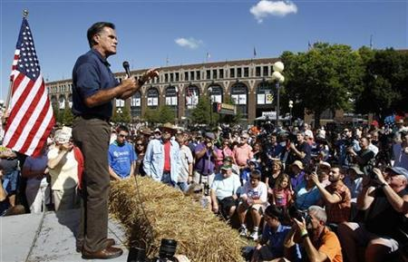 Republican presidential candidate and former Massachusetts Governor Mitt Romney delivers a speech at the Iowa State Fair in Des Moines, Iowa, August 11, 2011. REUTERS/Jim Young