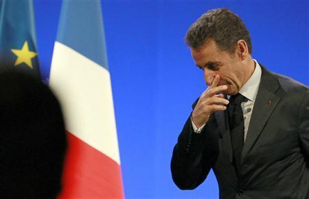 France's President Nicolas Sarkozy arrives to deliver a speech on benefits fraud during his visit in Bordeaux, southwestern France, November 15, 2011. REUTERS/Regis Duvignau