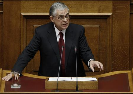Greece's Prime Minister Lucas Papademos delivers his first speech as prime minister at the Greek parliament in Athens November 14, 2011. REUTERS/Yiorgos Karahalis