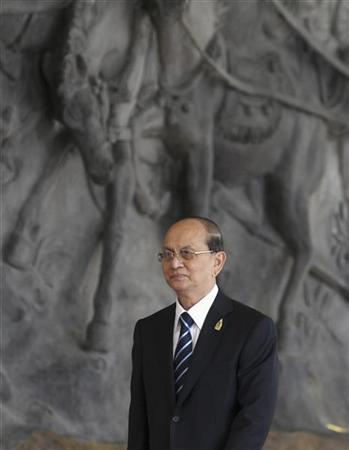 Myanmar's Prime Minister Thein Sein arrives at the Bali Nusa Dua Convention Center before the opening ceremony of the Association of South East Asian Nations (ASEAN) Summit in Nusa Dua, Bali November 17, 2011. Indonesia is hosting the 19th ASEAN Summit and Related Summits 2011. REUTERS/Stephen Morrison/Pool