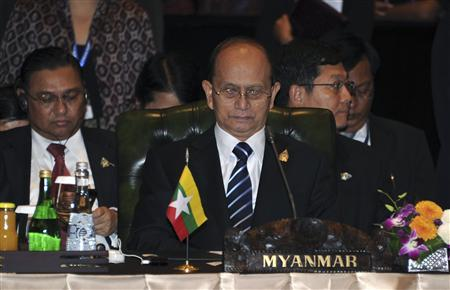 Myanmar's President Thein Sein attends the ASEAN leaders Meeting with ASEAN Business Advisory Council in Nusa Dua, Bali November 17, 2011. REUTERS/Romeo Gacad/Pool