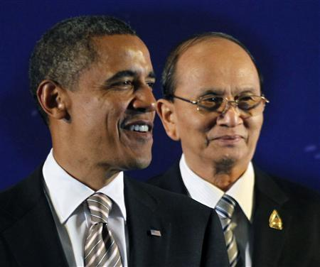 Myanmar's President Thein Sein (R) and U.S. President Barack Obama participate in a group photo at the East Asian Summit in Nusa Dua, Bali, November 19, 2011. REUTERS/Jason Reed