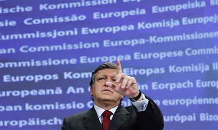 European Commission President Jose Manuel Barroso holds a news conference on new economic governance at the EU Commission headquarters in Brussels November 23, 2011. The European Commission proposed on Wednesday new, intrusive laws to make sure budgets of euro zone countries do not break EU rules and that their borrowing falls, which could lead to joint debt issuance in the future. REUTERS/Francois Lenoir