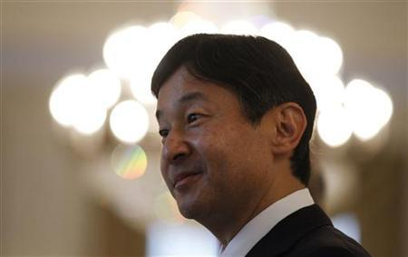Japan's Crown Prince Naruhito attends a reception at the Japanese embassy in Berlin during his visit to Germany, June 23, 2011.  REUTERS/Tobias Schwarz