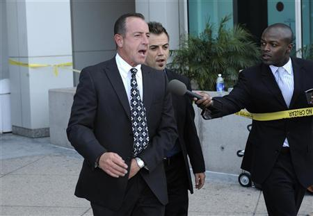 Michael Lohan leaves following his daughter Lindsay Lohan's hearing at the Airport Branch Courthouse in Los Angeles April 22, 2011.  REUTERS/Phil McCarten