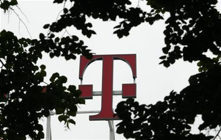 The logo at company headquarters of Deutsche Telekom AG is pictured in Bonn May 30, 2008. German prosecutors have started investigating Deutsche Telekom over data misuse, a spokesman for the prosecutors in Bonn said on May 29, 2008.  REUTERS/Ina Fassbender