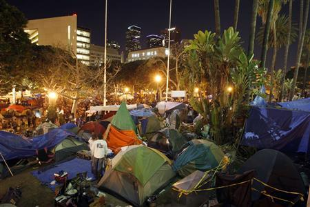 The Occupy Los Angeles encampment at City Hall Park is seen before the midnight deadline for eviction from City Hall Park passes in Los Angeles, November 27, 2011.   REUTERS/David McNew