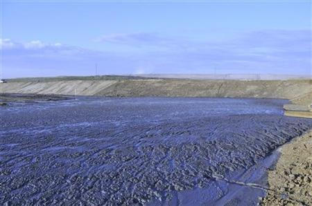 The Shell Muskeg River Mine demonstration tailings pond in northern, Alberta in seen in this undated handout photo.  REUTERS/Handout