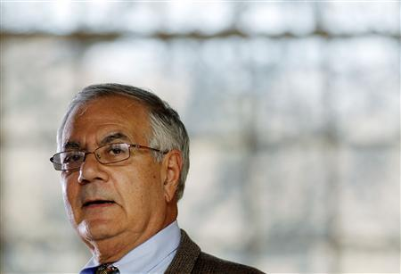 Rep. Barney Frank (D-MA) speaks at a news conference announcing that he would not seek a 17th term in congress next year in Newton, Massachusetts November 28, 2011.    REUTERS/Adam Hunger