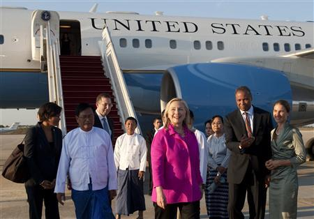 Secretary of State Hillary Clinton walks from her airplane upon her arrival in Naypyitaw November 30, 2011.   REUTERS/Saul Loeb/Pool