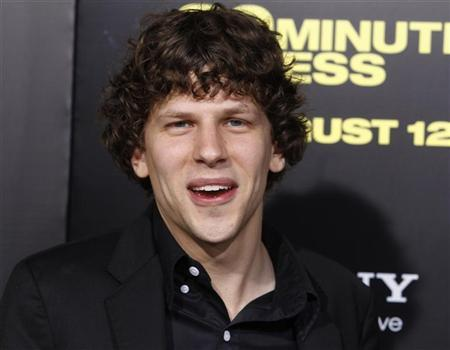 Actor Jesse Eisenberg poses at the premiere of his new film ''30 Minutes Or Less'' in Hollywood, California August 8, 2011.  REUTERS/Fred Prouser