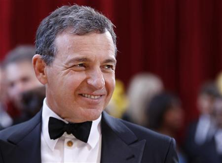 Walt Disney Company President and CEO Bob Iger arrives at the 82nd Academy Awards in Hollywood March 7, 2010. REUTERS/Lucas Jackson (UNITED STATES)