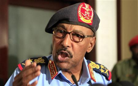 Sudanese Defence Minister Abdelrahim Mohamed Hussein speaks during joint news conference with his southern counterpart John Kong Nyuon after signing an agreement, in Khartoum September 18, 2011.  REUTERS/Mohamed Nureldin Abdallah
