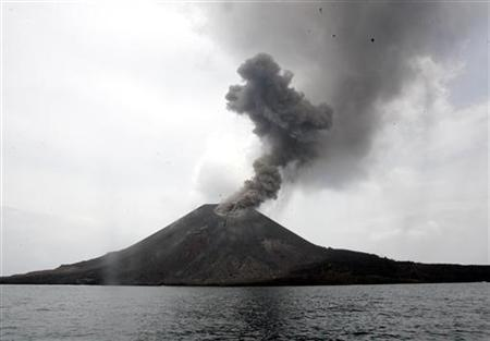 The Anak Krakatau volcano spews ash and smoke in the Sunda Strait November 10, 2007. REUTERS/Supri