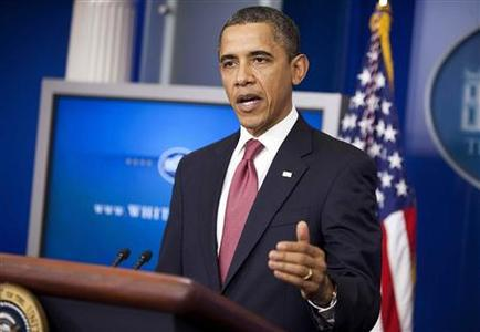 President Barack Obama makes a statement from the briefing room of the White House in Washington, urging Republicans to extend the payroll tax cut, December 5, 2011.      REUTERS/Joshua Roberts