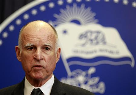 California Governor Jerry Brown speaks after vetoing the budget passed the day before by state legislators in Los Angeles, California June 16, 2011. REUTERS/Lucy Nicholson
