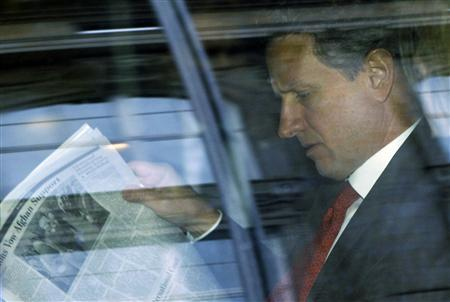 U.S. Treasury Secretary Timothy Geithner sits in his car as he leaves the headquarters of the European Central Bank in Frankfurt, December 6, 2011.REUTERS/Alex Domanski