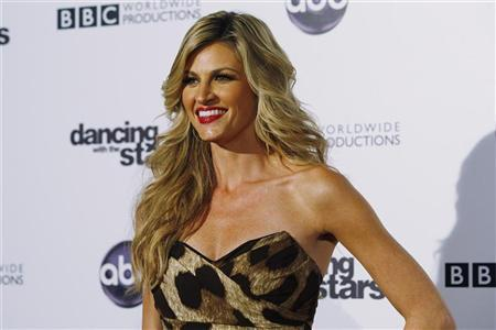American sportscaster Erin Andrews arrives at the 200th Episode Celebration of ABC's 'Dancing with the Stars' in Hollywood, California November 1, 2010. REUTERS/Fred Prouser