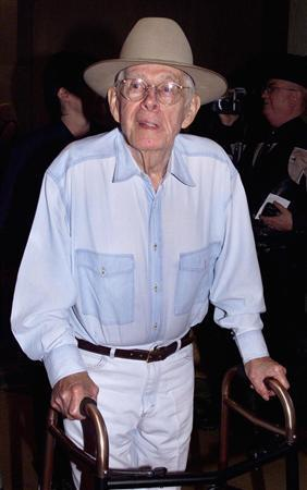 Actor Harry Morgan arrives for the Golden Boot Awards in Beverly Hills, California in this August 10, 2002 file photo. REUTERS/Robert Galbraith/Files