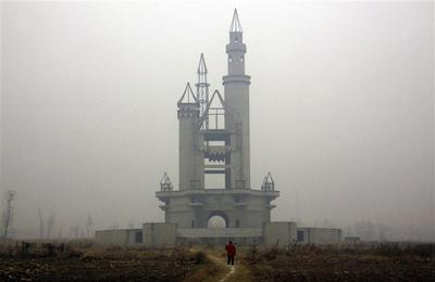 China's abandoned ''Wonderland''